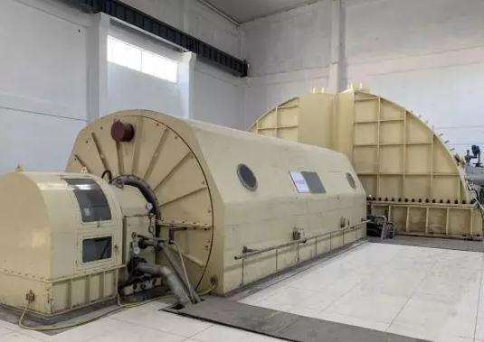 广西建工公司在建最大单机容量汽轮发电机组成功并网发电