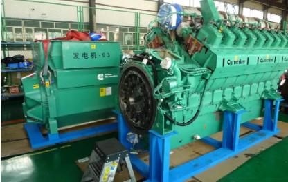 康哥探班:在中国最大沙漠腹地大修发电机是怎样体验?